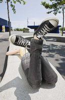 Wie man Sneakers schwarz