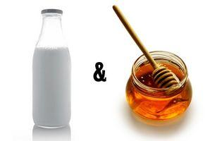 Erstellen einer Honig und Milch-Gesichtsbehandlung