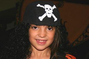 Wie ein Kind-Piraten-Kostüm zu nähen