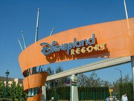 Wie man Geld auf ein Disneyland-Jahreskarte sparen