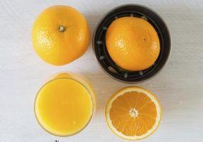 Wie man frisch gepresste Orangensaft Einfrieren