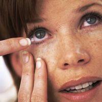 Temporärer Ersatz für Kontaktlinsen-Flüssigkeit