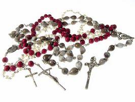 Wie man einen Rosenkranz von österreichischen Kristalle