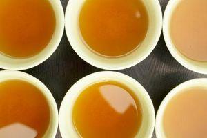 Wie man steile Hibiskus Tee