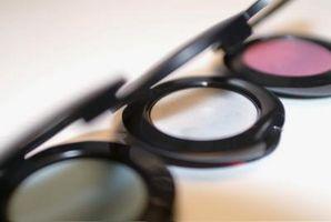 Wie Sie Ihre eigenen Eyeshadow Palette anpassen
