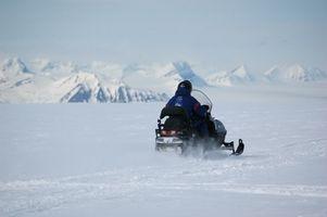 Schneemobil-Notfall-Tools