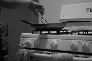 Wie man mit eloxiertem Wearever Kochgeschirr Kochen