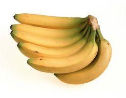 Wie Sie die reifen Bananen mit einem Lebensmittelgeschäft-Tasche