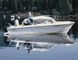 Was sind einige wichtige Meilensteine für Motorboote?
