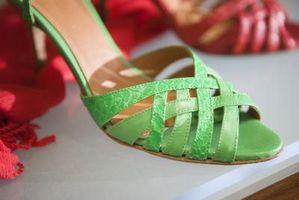 Wie Sie Ihre Schuhe mit Ihrem Kleiderschrank übereinstimmen
