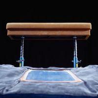 Ausführen ein Handspring-Depots in Gymnastik
