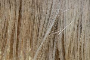 Wie man ein chaotisch Brötchen mit glattem Haar