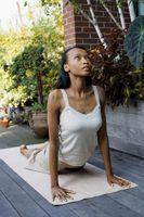 Wie sich die Muskeln der Brust & Brustkorb dehnen
