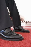 Gewusst wie: verhindern, dass Ihre neue Kleidung Schuhe Faltenbildung