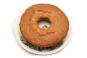 Wie man ein Pfund Kuchen aus der Pfanne