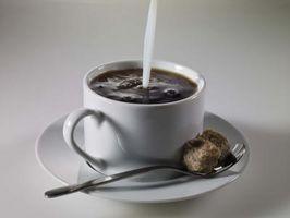 Wie man Kaffee mit alkalischen Wasser