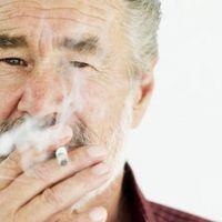 Wie bekomme ich Flecken aus meinem Finger vom Rauchen?