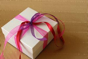 Wie weiße Cupcake Boxen ergänzt