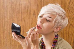 Wie man zu Hause Ihre Haare weiß färben