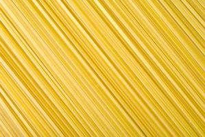Was Zutaten werden verwendet, um Spaghetti mit Speck & Semmelbrösel machen?