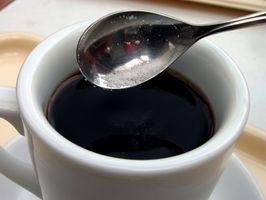 Wie loswerden von Kaffeeflecken auf den Zähnen