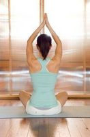 Wie man einfache Yoga-Posen
