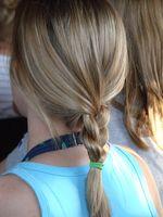 Gewusst wie: Binden Sie Ihr Haar zurück