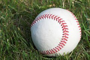Wie Sie eine High School Baseball-Trainer werden