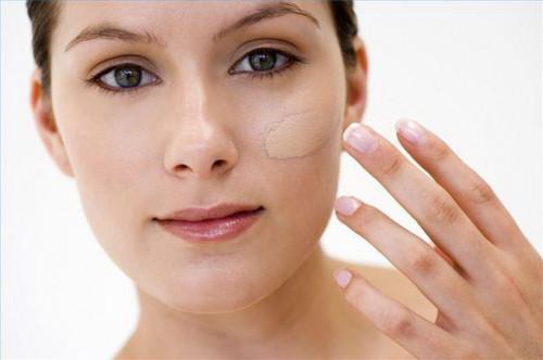 Wie zu vertuschen, Mitesser mit Make-up