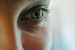 Kosmetische Lösungen für dunkle Undereye Circles