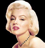 Wie tragen Sie Lippenstift im Stil von Marilyn Monroe