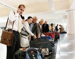 Dinge, die Menschen setzen auf Gepäck zur Identifizierung